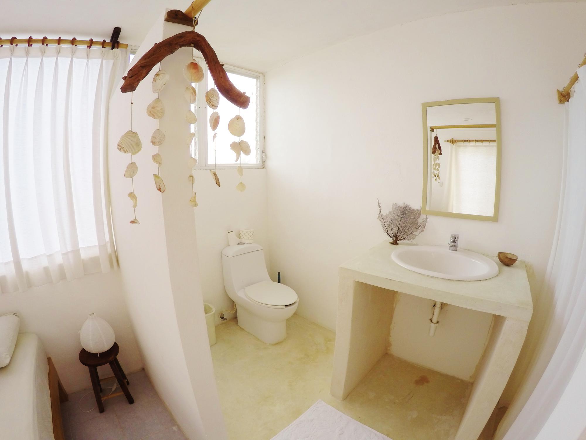 private bathroom agua clara dive center